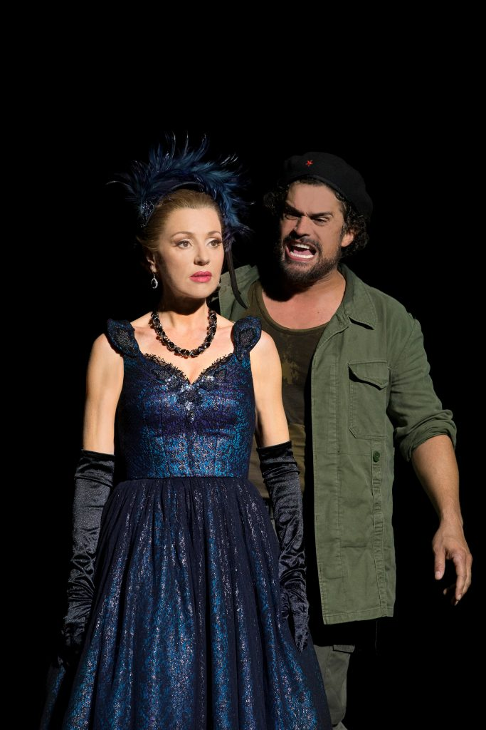 Tina-Arena-Kurt-Kansley-in-EVITA-Sydney-2018-CREDIT-Jeff-Busby-683x1024