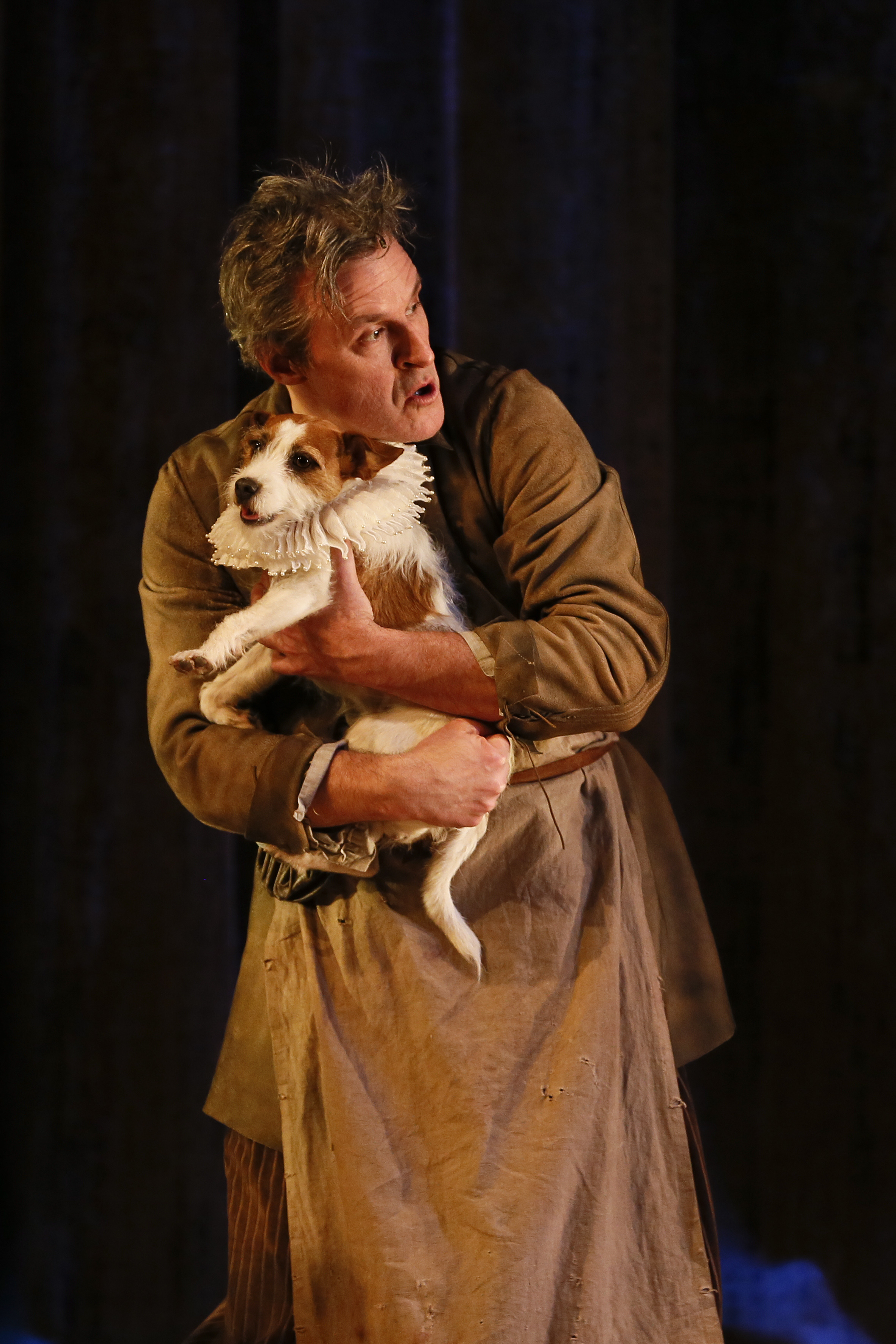 MTC SHAKESPEARE IN LOVE photo Jeff Busby_1111 Daisy the dog
