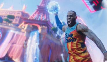 Basketball player screenshot from Space Jam Film