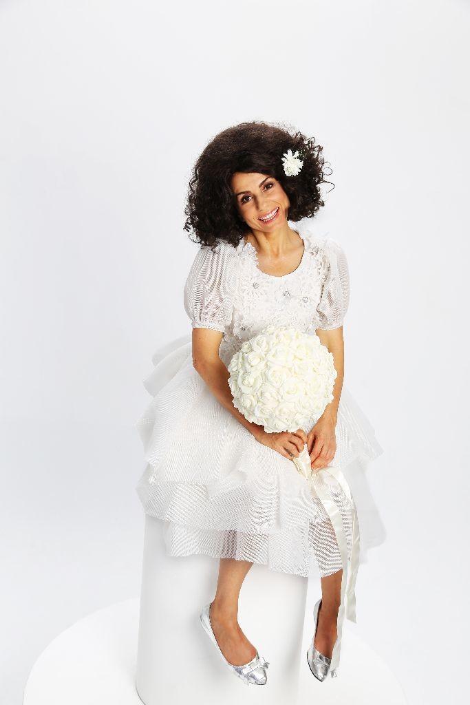 Aphie Effie the virgin bride