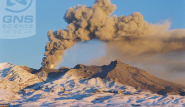 Volcano photographed by Lloyd Homer, GNS Science.