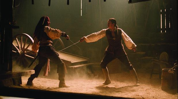 movies-pirates-of-the-caribbean-curse-of-the-black-pearl-still-2